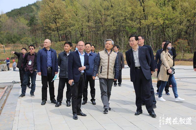 第五届国际道教论坛组委会一行现场察看了道宫